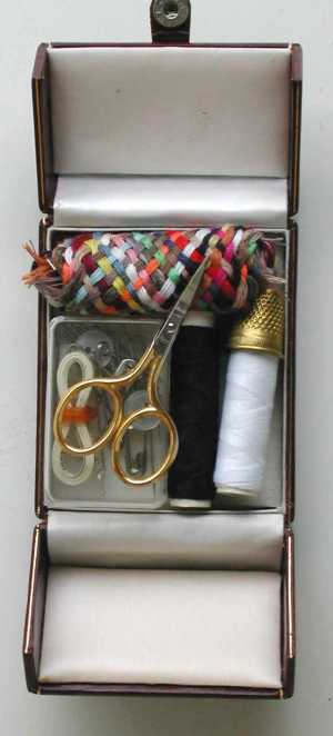 Sewing kit Red